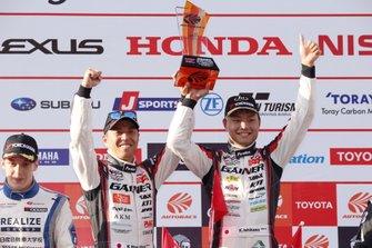 GT300 podium: race winners #10 Gainer Nissan GT-R: Kazuki Hoshino, Keishi Ishikawa
