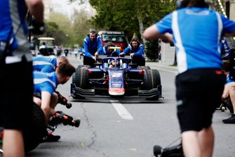 CARLIN Prove pitstop