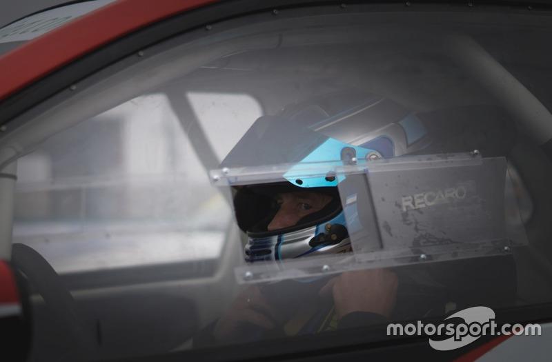 Олег Скуз за мить до старту гонки