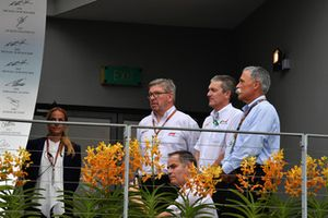 Andrew Denford, F1 in Schools, Ross Brawn, Formula One Managing Director of Motorsports and Chase Carey, Chief Executive Officer and Executive Chairman of the Formula One Group F1 in Schools on the podium