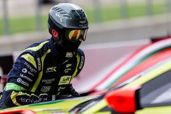 Aston Martin Racing techneut aan het werk