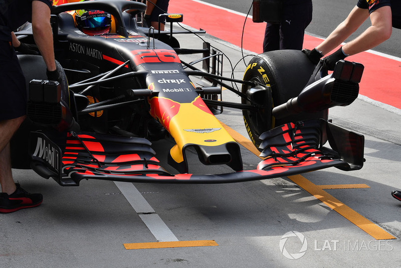 Jake Dennis, Red Bull Racing RB14, naso e ala anteriore