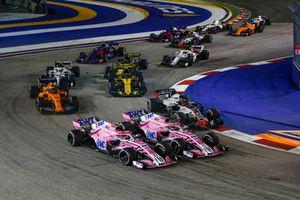 Esteban Ocon, Racing Point Force India VJM11, Sergio Perez, Racing Point Force India VJM11 et Romain Grosjean, Haas F1 Team VF-18
