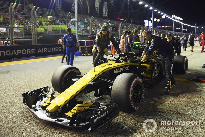 Carlos Sainz Jr., Renault Sport F1 Team R.S. 18, na polach startowych