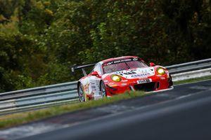 #30 Frikadelli Racing Porsche 911 GT3 R: Klaus Abbelen, Alex Müller