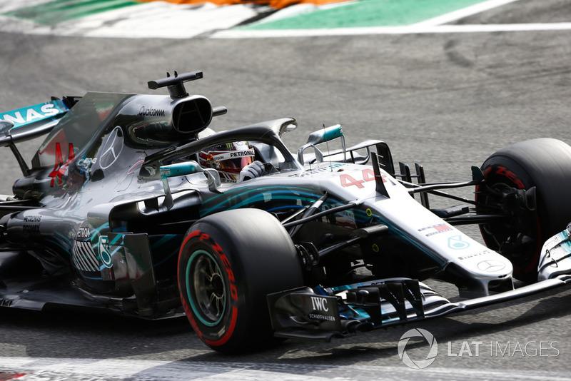 3: Lewis Hamilton, Mercedes AMG F1 W09, 1'19.294