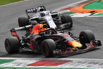Daniel Ricciardo, Red Bull Racing RB14 and Lance Stroll, Williams FW41
