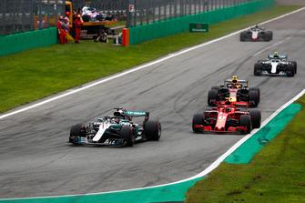 Lewis Hamilton, Mercedes AMG F1 W09,Kimi Raikkonen, Ferrari SF71H, Max Verstappen, Red Bull Racing RB14, Valtteri Bottas, Mercedes AMG F1 W09, Romain Grosjean, Haas F1 Team VF-18