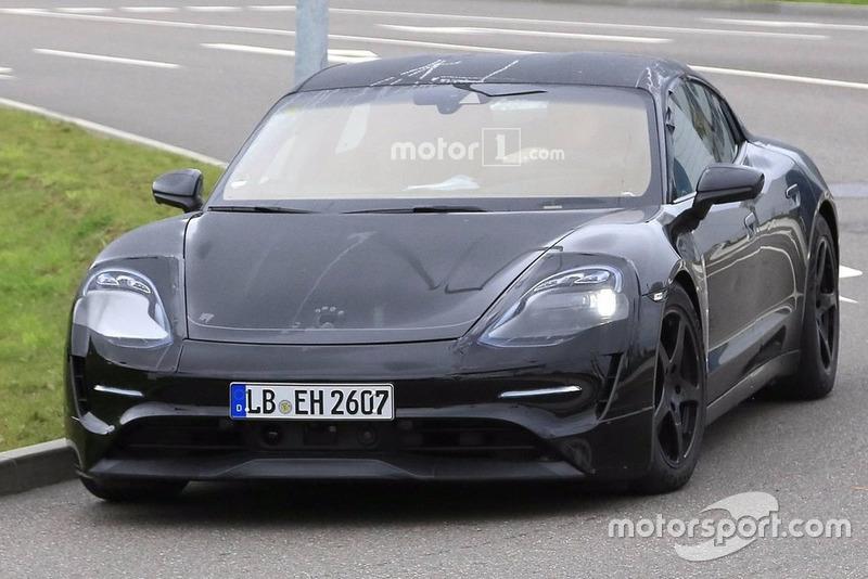 Шпигунське фото Porsche Taycan