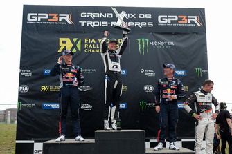 Podium: race winner Johan Kristoffersson, PSRX Volkswagen Sweden, second place Timmy Hansen, Team Peugeot Total, third place Sébastien Loeb, Team Peugeot Total