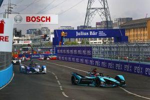 Mitch Evans, Jaguar Racing, Jaguar I-TYPE 5, Maximilian Günther, BMW i Andretti Motorsport, BMW iFE.21