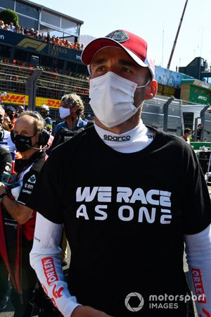 Robert Kubica, Test and Reserve Driver, Alfa Romeo Racing, on the grid
