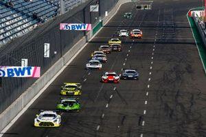 Renn-Action beim ADAC GT Masters 2021 auf dem Lausitzring
