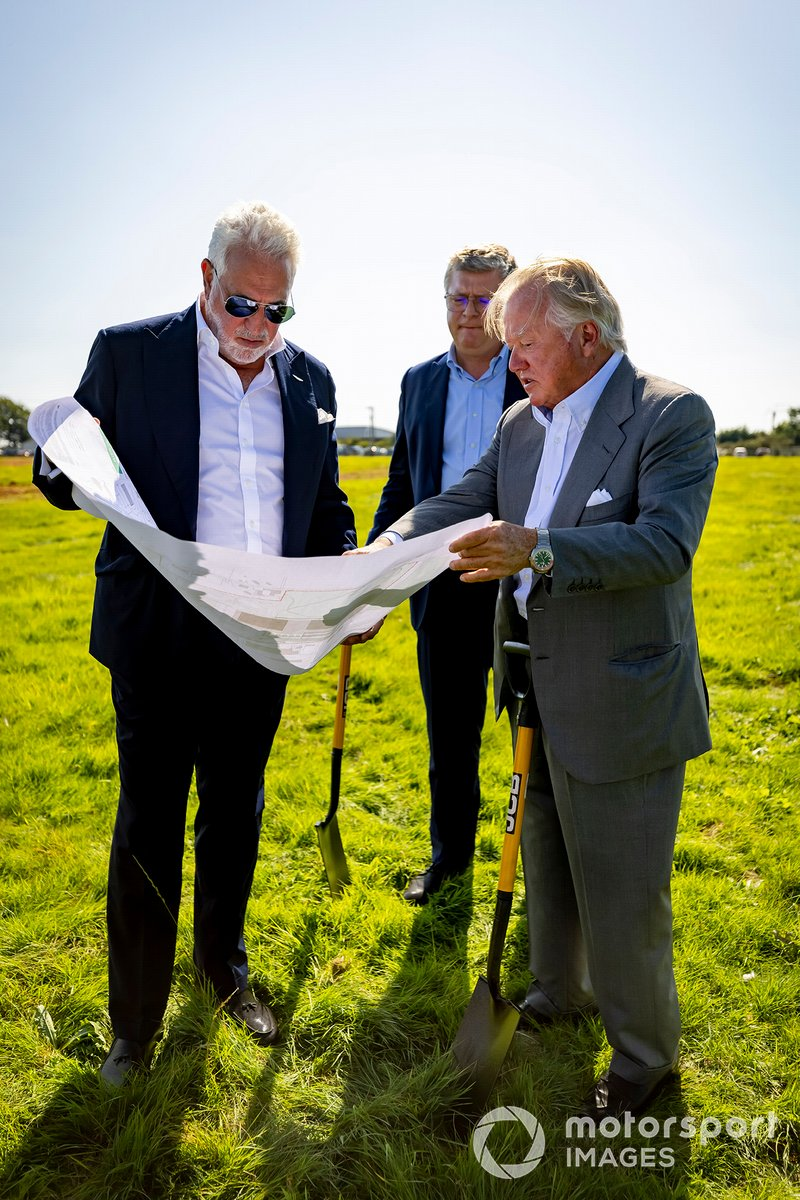 Lawrence Stroll, Owner, Aston Martin F1, Otmar Szafnauer, Team Principal and CEO, Aston Martin F1, and Anthony Bamford, chairman of JCB