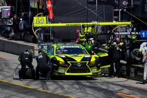 #14: Vasser Sullivan Lexus RC F GT3, GTD: Jack Hawksworth , Aaron Telitz, fait un arrêt