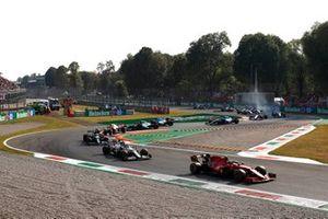 Carlos Sainz Jr., Ferrari SF21, Antonio Giovinazzi, Alfa Romeo Racing C41, Lance Stroll, Aston Martin AMR21