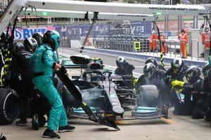 Valtteri Bottas, Mercedes W12 , en boxes