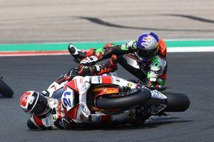 Sturz: Randy Krummenacher, EAB Racing Team, Can Öncü, Kawasaki Puccetti Racing