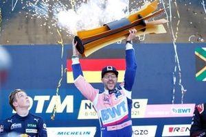Podio de campeones: El campeón Maximilian Götz, Haupt Racing Team