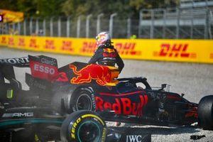 Max Verstappen, Red Bull Racing, na zijn crash met Lewis Hamilton, Mercedes