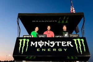 Kurt Busch, Chip Ganassi Racing, Chevrolet Camaro Monster Energy, Monster pitbox
