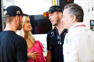 La cantante Rita Ora conoce a Jean-Eric Vergne, DS TECHEETAH, Andre Lotterer, DS TECHEETAH, Alejandro Agag, CEO de Fórmula E