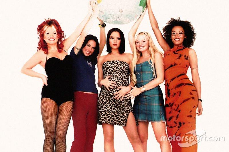 Свои дебютные альбомы выпустили группы Spice Girls...