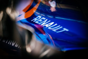 Le logo Renault sur la McLaren MCL34