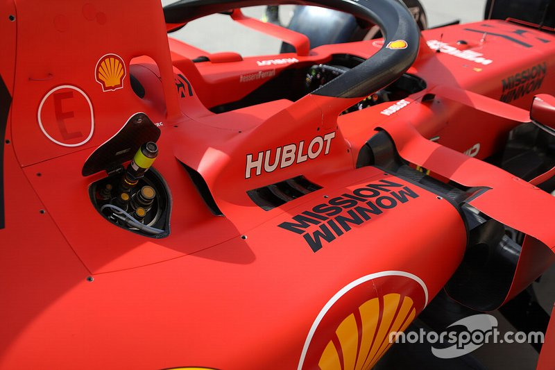 Ferrari SF90: Seitenkasten mit Tankstutzen