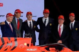 Charles Leclerc, Ferrari, Sebastian Vettel, Ferrari y los miembros del equipo Ferrari