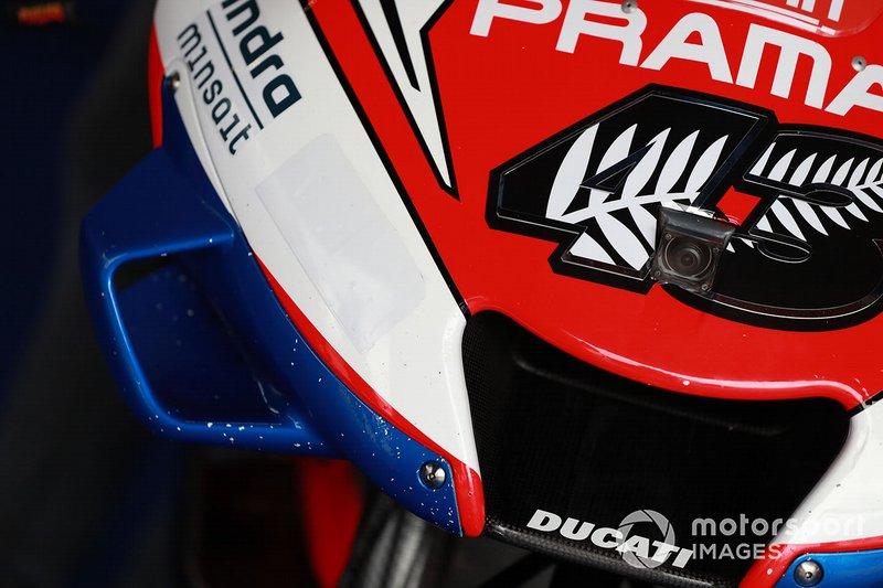 Jack Miller, dettaglio della copertura dello sponsor Alma su una delle Ducati della Pramac Racing