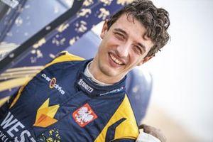 Aron Domzala, Abu Dhabi Desert Challenge