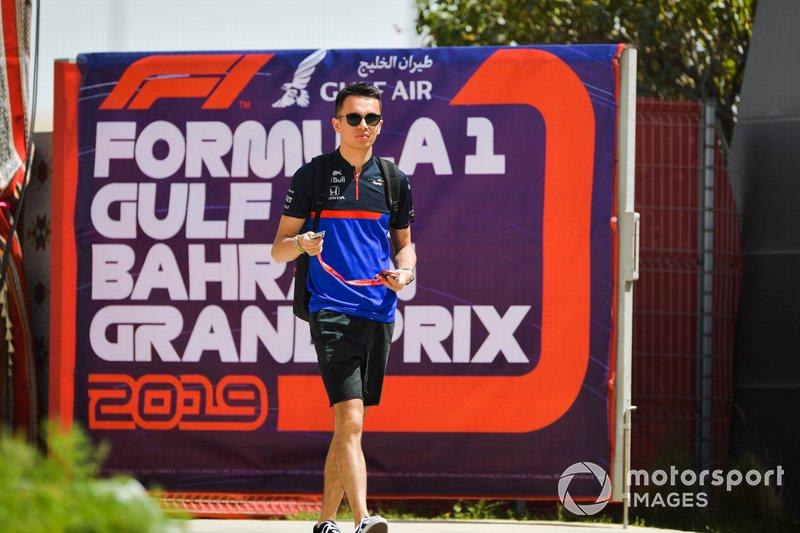 Alexander Albon, Toro Rosso, arriva nel paddock