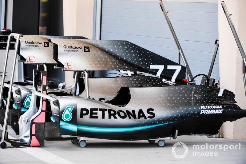 El capó motor del Mercedes AMG F1 W10