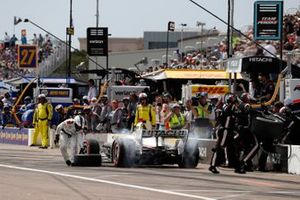Josef Newgarden, Team Penske Chevrolet, pit stop