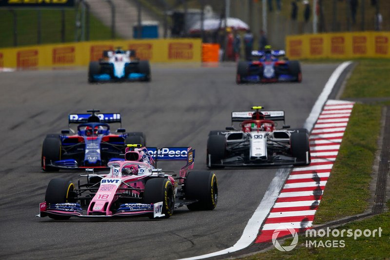 Lance Stroll, Racing Point RP19, y Daniil Kvyat, Toro Rosso STR14, and Antonio Giovinazzi, Alfa Romeo Racing C38