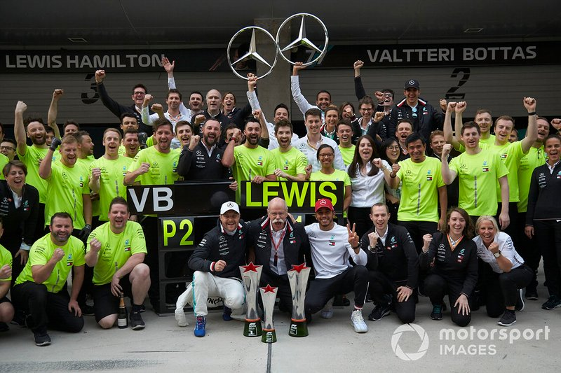 Valtteri Bottas, Mercedes AMG F1, 2nd position, Dr Dieter Zetsche, CEO, Mercedes Benz, Lewis Hamilton, Mercedes AMG F1, 1st position, and the Mercedes team celebrate victory