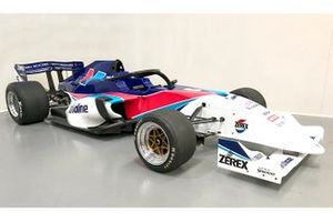S5000 car in Valvoline livery