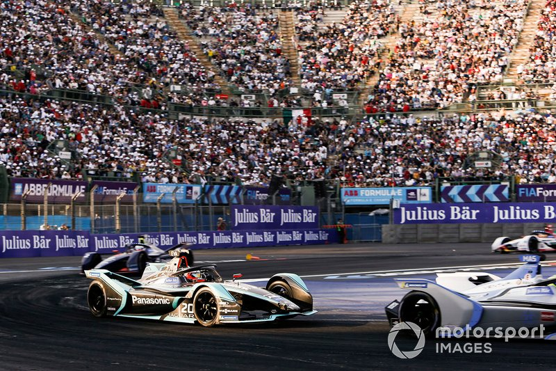 Felipe Massa, Venturi Formula E, Venturi VFE05 leadsMitch Evans, Panasonic Jaguar Racing, Jaguar I-Type 3, Sam Bird, Envision Virgin Racing, Audi e-tron FE05