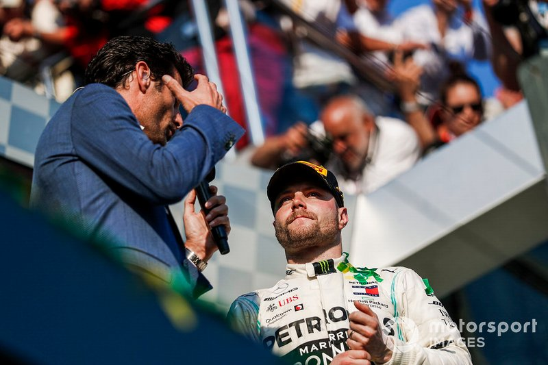 Podyum: Mark Webber ve Yarış galibi Valtteri Bottas, Mercedes AMG F1