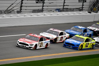 Paul Menard, Wood Brothers Racing, Ford Mustang Motorcraft / Quick Lane Tire & Auto Center, Denny Hamlin, Joe Gibbs Racing, Toyota Camry FedEx Express, and Ryan Blaney, Team Penske, Ford Mustang Menards/Peak