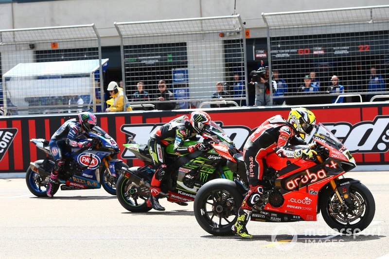 Alvaro Bautista, Aruba.it Racing-Ducati Team, Jonathan Rea, Kawasaki Racing, Alex Lowes, Pata Yamaha start