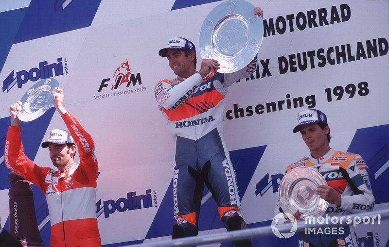 1998: 1. Mick Doohan, 2. Max Biaggi, 3. Alex Criville