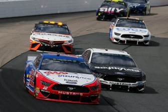 Joey Logano, Team Penske, Ford Mustang AAA Insurance and Aric Almirola, Stewart-Haas Racing, Ford Mustang Smithfield