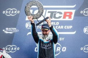 Podium: Race winner Yvan Muller, Cyan Racing Lynk & Co 03 TCR