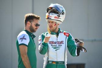 Sebastian Vettel test een Tony kart