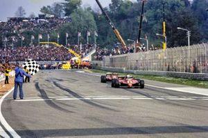 Didier Pironi, Ferrari 126C2, lidera sobre Gilles Villeneuve, Ferrari 126C2