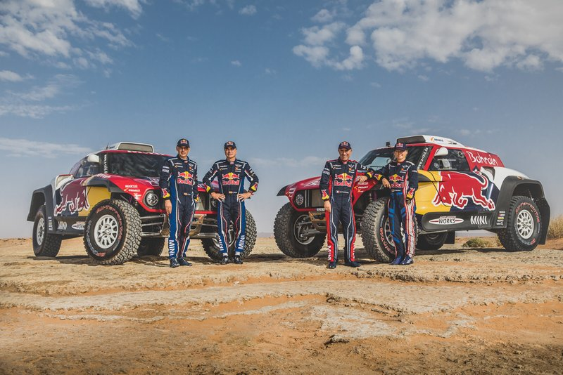 Carlos Sainz, Lucas Cruz y Stephane Peterhansel, Andrea Peterhansel, X-Raid Mini JCW Team