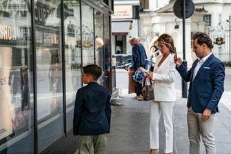 Felipe Massa con su esposa y su hijo