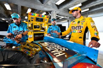 Kyle Busch, Joe Gibbs Racing, Toyota Camry M&M's and Adam Stevens